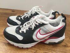 Woman's Nike Twenty Size 9 style 040406