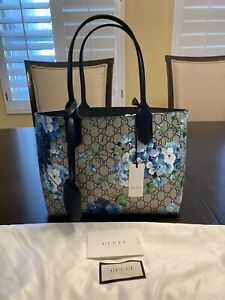 New Authentic Gucci Blooms GG Reversible Tote Bag Small