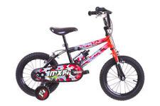 Bicicletas de montaña naranjas de acero