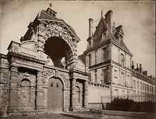 France, Fontainebleau, le château  vintage albumen print. Tirage albuminé  2