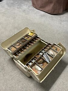 SIMONSEN VINTAGE METAL FISHING TACKLE BOX CHICAGO with Vintage Lures