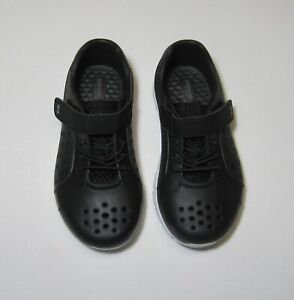 Toddler Boys Land & Water Shoes Black NWT, Surprize by Stride Rite