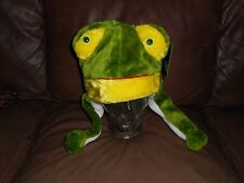 HOWD NWT Frog Froggie Plush Animal Unisex Winter Hat with Pom Pom Scarf