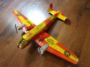 Vintage Marx Wind up Tin Toy US Army Flying Fortress 2095 Airplane Machine Guns