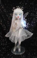 Monstruo ALTO MUÑECA OOAK Custom repintado por LMC de Cristal Fantasía Hadas Aurora