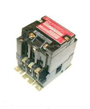 SQUARE D  8903SM02  MOTOR STARTER RELAY 30 AMP 110/120 VAC COIL