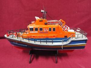Remote Controlled Severn Class Lifeboat #17-27 RNLB Volunteer Spirit