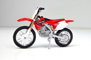Honda Crf 450 R Red-White Motorcycle Model 1:18 From Bburago