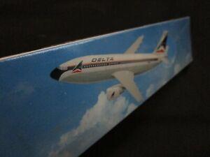 Vintage Delta Airlines Flight Miniatures A310-300 Model Plane -NEW- 1/200 Scale