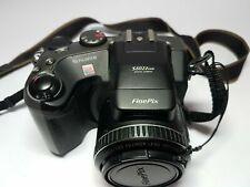 FujiFilm FinePix S602 Zoom Early Digital Bridge Camera 2 cards