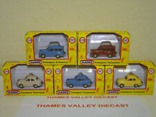 CLASSIX, COLLECTION OF 5 AUSTIN A35 SALOON & ESTATE CARS, 1:76 SCALE