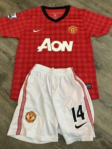 MANCHESTER UNITED BARCLAYS CHICHARITO SOCCER JERSEY YOUTH MEDIUM WITH SHORTS