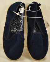 Women's Old Navy shoes size 5 sneaker navy padded insole slip-on embroiderd desi