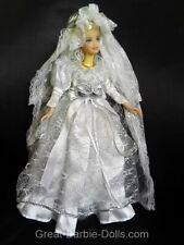 Barbie moderna novia en Mega vestido de bodas + velo = fashionista sin usar