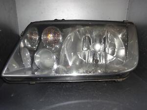VW Bora 1J Scheinwerfer Licht Leuchte vorne links Hella