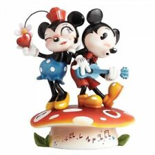 Disney Showcase Mickey & Minnie Mouse Figurine Resin Cartoon Folk Miss Mindy