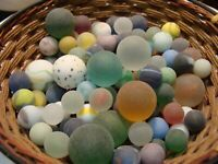 100 Vintage Frosted Marbles X-Mas Gift Display Collect Play Red Blue Green Toys