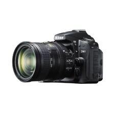 Near Mint! Nikon D90 with AF-S DX VR 18-200mm G - 1 year warranty