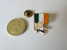 BARCELONA  Olympics  1992  COBI  with  Flag  Original  Metal PIN Badge