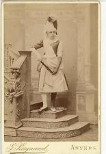 G. Raynaud, Anvers, Actrice posant  Vintage albumen print. Carte cabinet. Ti