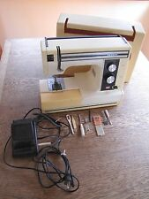 Janome sewing machine with carry case and accessories 1984 model SD2014