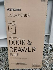 B&Q IT Kitchens Door and Drawer Pack P Ivory Classic 397x557mm & 397mmx156mm