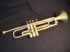 Ancienne trompette (sans doute en Si bémol) COUESNON France en bon état