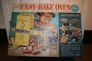 Vintage 1964 Kenner Easy Bake Oven Turquoise w/ Original Box #1600 *Turns On*