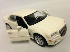 "2005 Chrysler 300C Collection 5.75"" DieCast 1:32 NewRay Toys White"