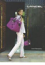 PUBLICITE ADVERTISING 2006  LANCEL cabas et sac portés par Laure Manaudou