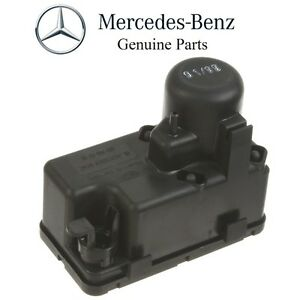 For Mercedes W126 300SD Vacuum Supply Pump For Central Lock Genuine 0008000348