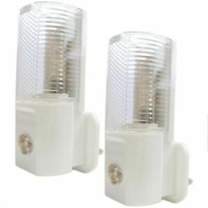 Automatic LED Night Light Plug Sensor Light Activated Hallway Childrens Rooms x2