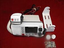 WEST MARINE VHF580 DSC MARINE SUBMERSIBLE RADIO WHITE