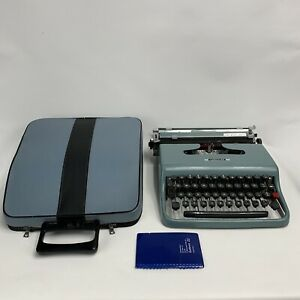 Olivetti Lettera 22 Light Blue Portable Typewriter + Case 50s Italy