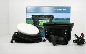Trimble EZ guide 250 GPS Super Précis AG 15 antenne même que Case New Holland