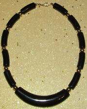 VINTAGE SIGNED * NAPIER * BLACK LUCITE & GOLD TONE RETRO CHUNKY COLLAR NECKLACE