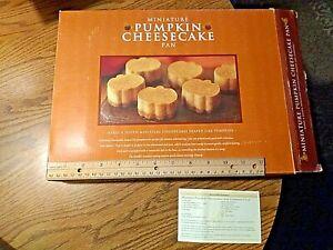 William Sonoma Miniature Pumpkin Cheesecake Non Stick Pan 12 RARE original box!!