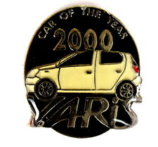 "Auto pin/Pins-Toyota Yaris ""car of the Year 2000"" [1343]"