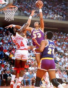 Kareem Abdul-Jabbar Los Angeles Lakers Signed 16x20 Photo JSA Witnessed