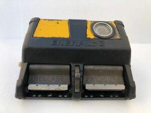 ENERPAC XA12G XVARI PNEUMATIC AIR HYDRAULIC FOOT PUMP 700 BAR/10,000 PSI