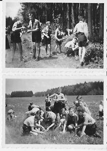 2 Fotos -   Pimpfe sammeln Kräuter