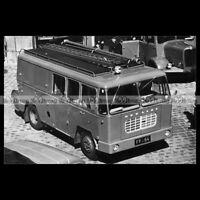 #pha.035661 Photo BERLIET GAK 17 FOURGON MIXTE CAMION POMPIER FIRE TRUCK 1960