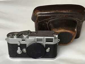 Leica M3 Gehäuse No 954084 ca. 1954 mit Tasche - stark gebraucht -