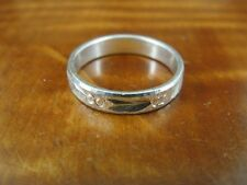 Feather and Berry with Texture Band Sterling Silver 925 Ring Size 5 1/2