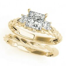 LADIES 14k YELLOW GOLD SEMI-MOUNT THREE STONE PRINCESS DIAMOND ENGAGEMENT RING