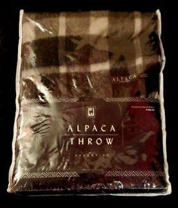 Soft Alpaca Superfine Wool Throw Blanket from Peru (50in x 70in Black & Grey)