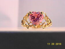 FILIGREE YELLOW GOLD BAND WITH A FOCAL PINK TOPAZ HEART 10KT  Ring Sz 9