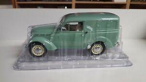 Renault Juvaquatre 1952 Solido - 1/18