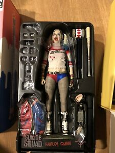 HOT TOYS HARLEY QUINN SUICIDE SQUAD SIDESHOW EXCLUSIVE 1/6 Figure