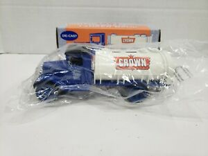 NEW ERTL CROWN 1931 HAWKEYE TANKER TRUCK BANK WITH KEY -  DIECAST #9652, 1991